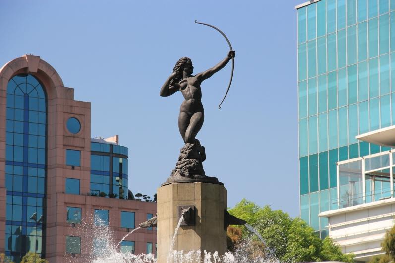 Monumento Dina Cazadora